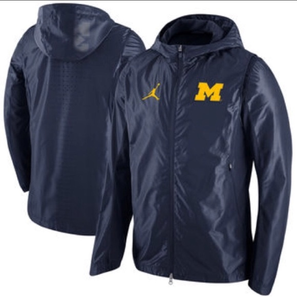 7c9f32ae8eb39e Nike Jordan Michigan Hyper Elite On Court Jacket. M 5ab6ef0500450fd9894b986a